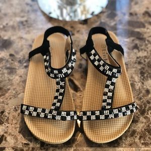 Very cute sandals for girls